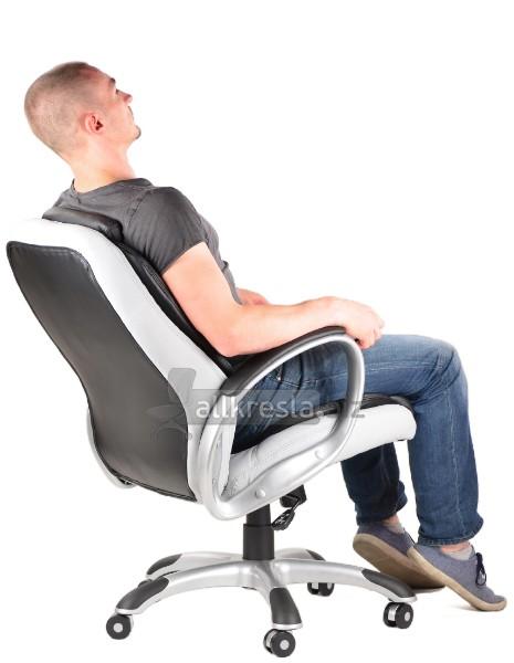 купить черное белое кресло