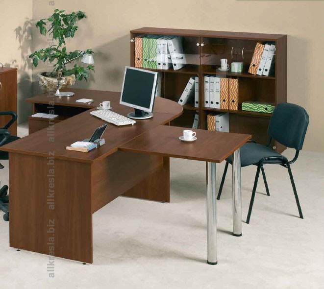 стол с брифингом для руководителя среднего звена